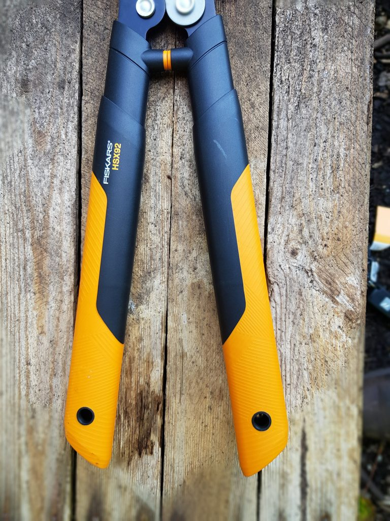 handles on Fiskars HSX92